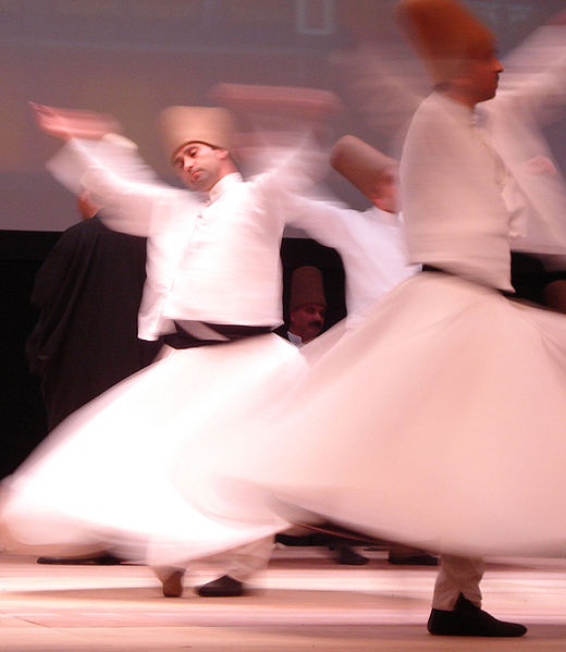 520px-whriling_dervishes_rumi_fest_2007